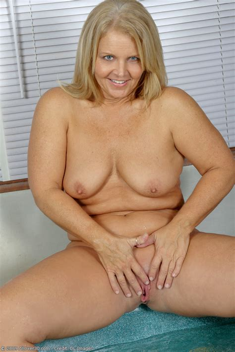Nude mature women collection, milf pussy pics gallery jpg 683x1024